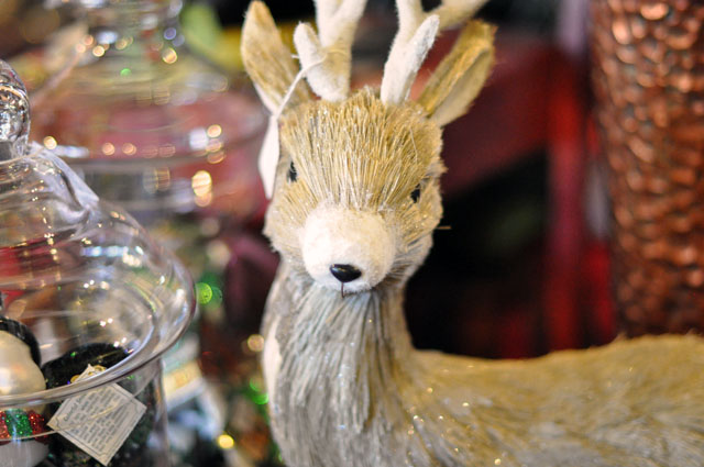 woodsy christmas deer decor