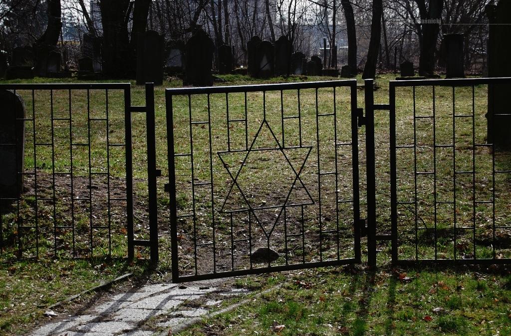 Przystanek Mazury / Stare cmentarze w Szczytnie