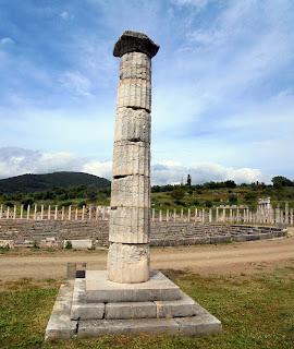 Κιονωτό Μνημείο στην Αρχαία Μεσσήνη