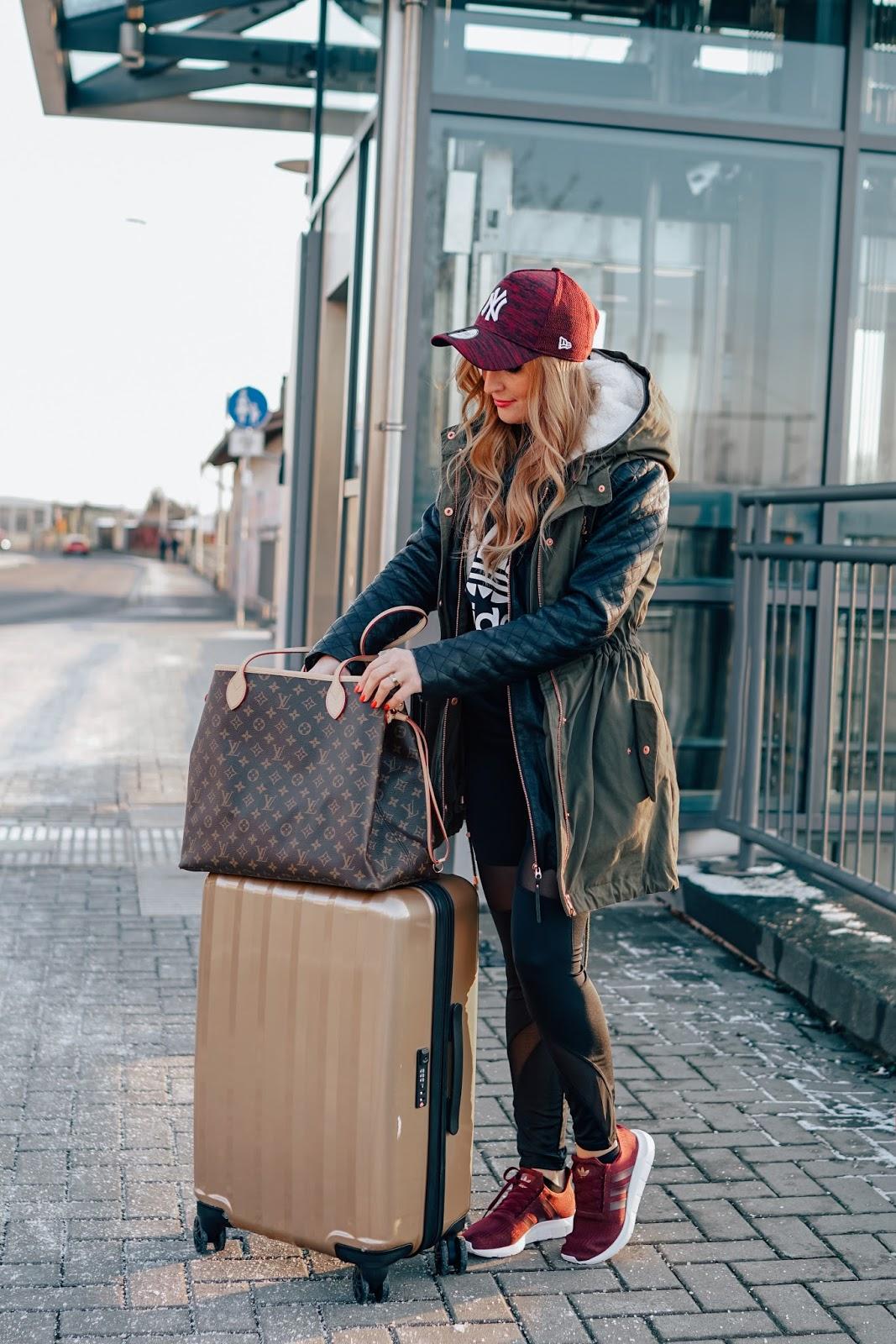 Lidl-koffer-Louis-vuitton-tasche-gm-neverful-was-zieht-man-zu-einem-langen-flug-an-defshop-lässiger-look-casual-sporty-fashionblogger-aus-deutschland-deutsche-fashionblogger-fashionstylebyjohanna