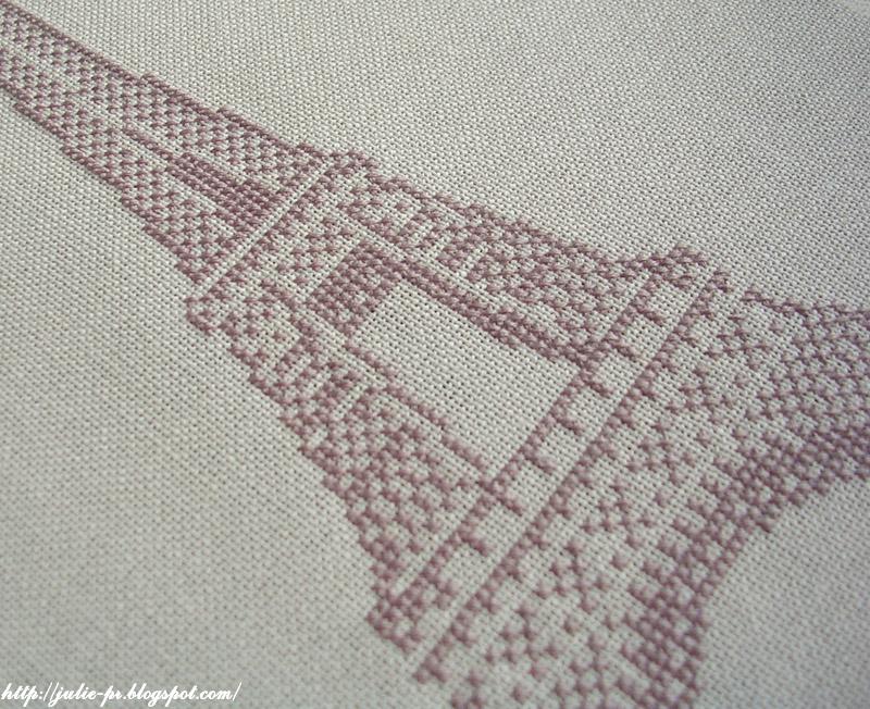Вышивка крестом схемы эйфелева башня на подушку.