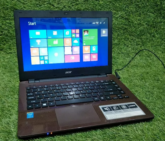 Laptop Acer E14 E5-471 Core I3-40005U Super Slim