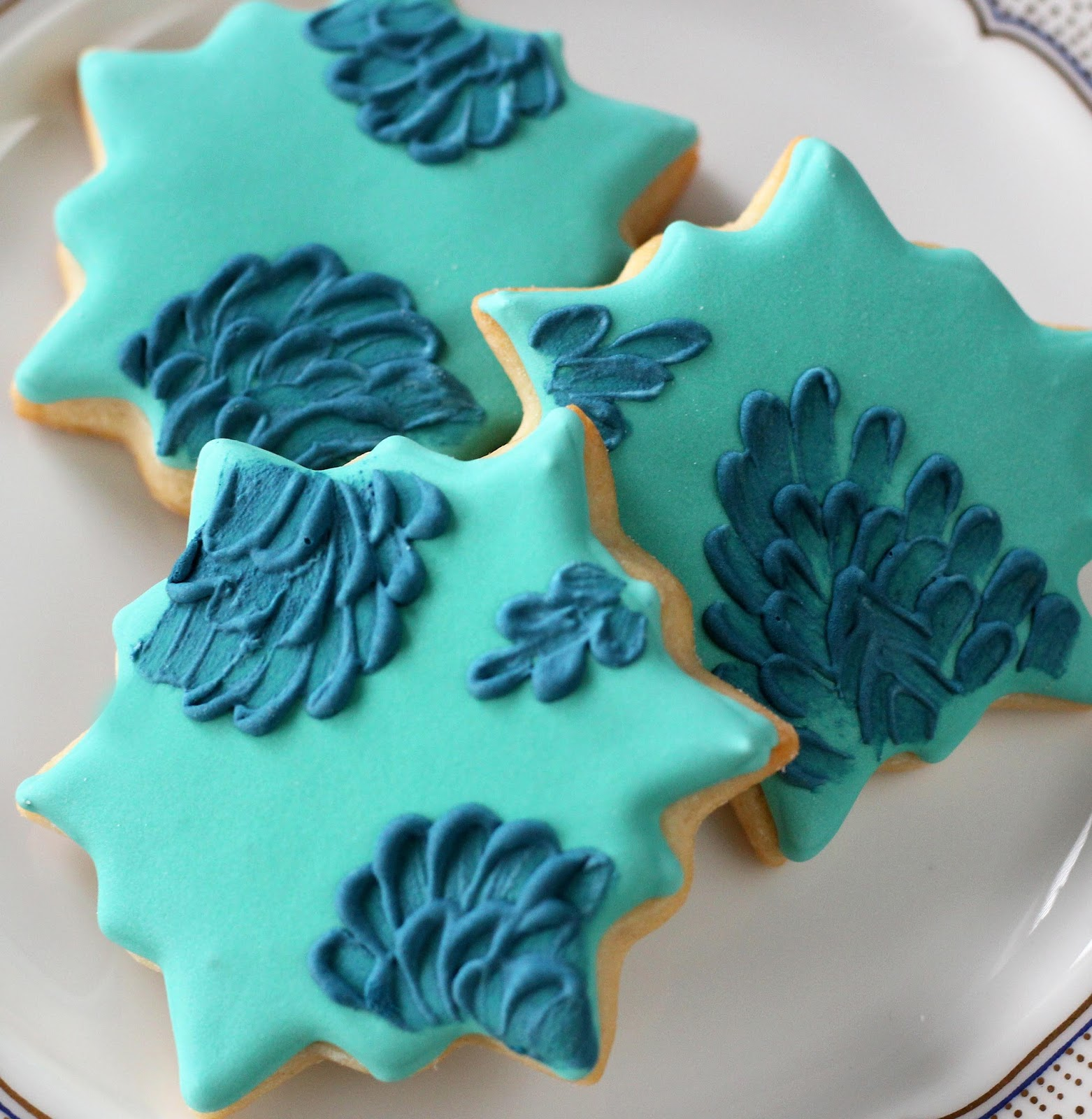 BRUSH EMBROIDERY COOKIES Sisters