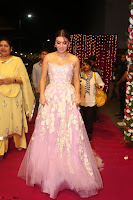 Hansika Motwani Sizzles in a Deep neck Sleevless Pink Gown at Zee Telugu Apsara Awards 2017 10.JPG