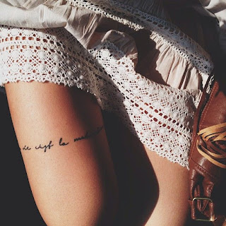 tattoo delicada na coxa