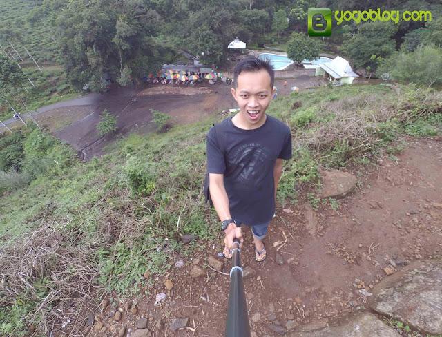 Selfie di Atas Bukit Kebun Teh Jamus
