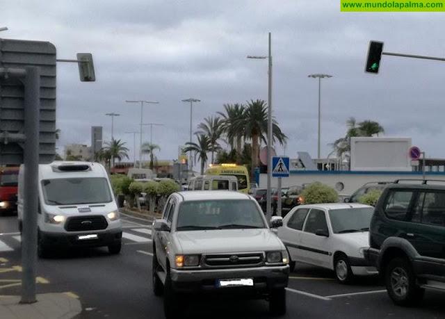 Santa Cruz de La Palma sumida en un caos de tráfico que afecta a los vehículos de emergencia