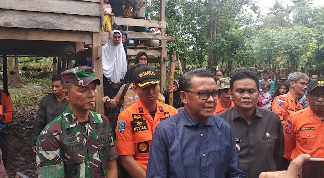 Didampingi Danrem 141/Tp, Gubernur Sulsel Tinjau Kesiapan Posko Banjir di Barru
