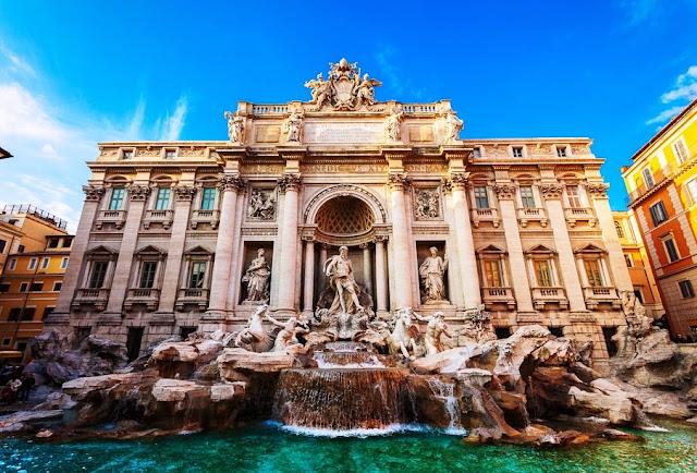 Fontana di Trevi em Roma - Itália