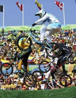 En su primera participación olímpica, el rawsino de 21 años quedó entre los 16 mejores competidores de la instancia de cuartos de final, al ubicarse tercero (36.078 segundos), segundo (35.412) y quinto (36.122) en las tres carreras disputadas por la cuarta manga clasificatoria. Lo del sanjuanino resalta dado que dos de las máximas figuras del BMX mundial, el francés Joris Daudet (campeón mundial) y el letón Maris Strombergs (doble campeón olímpico) quedaron eliminados.