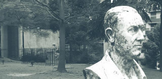 Perón con fondo de Borges