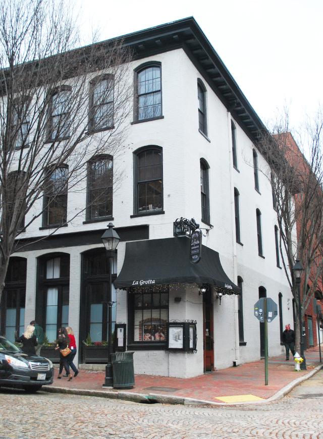 Exploring Richmond, Virginia's Shockoe Slip | EmBusyLiving.com