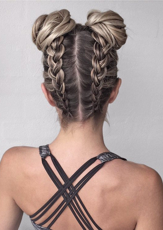 the most perfect hairstyle I ever seen