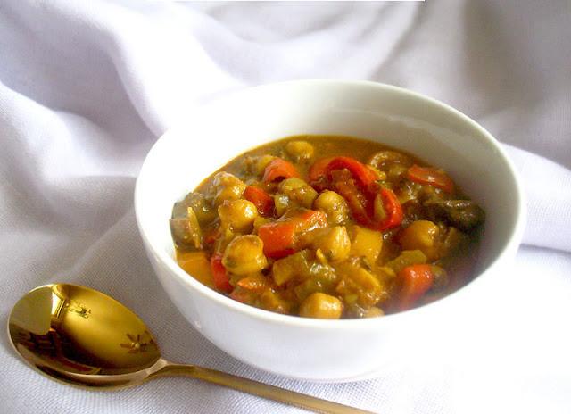 Creamy Chickpea and Portobello Mushroom Curry