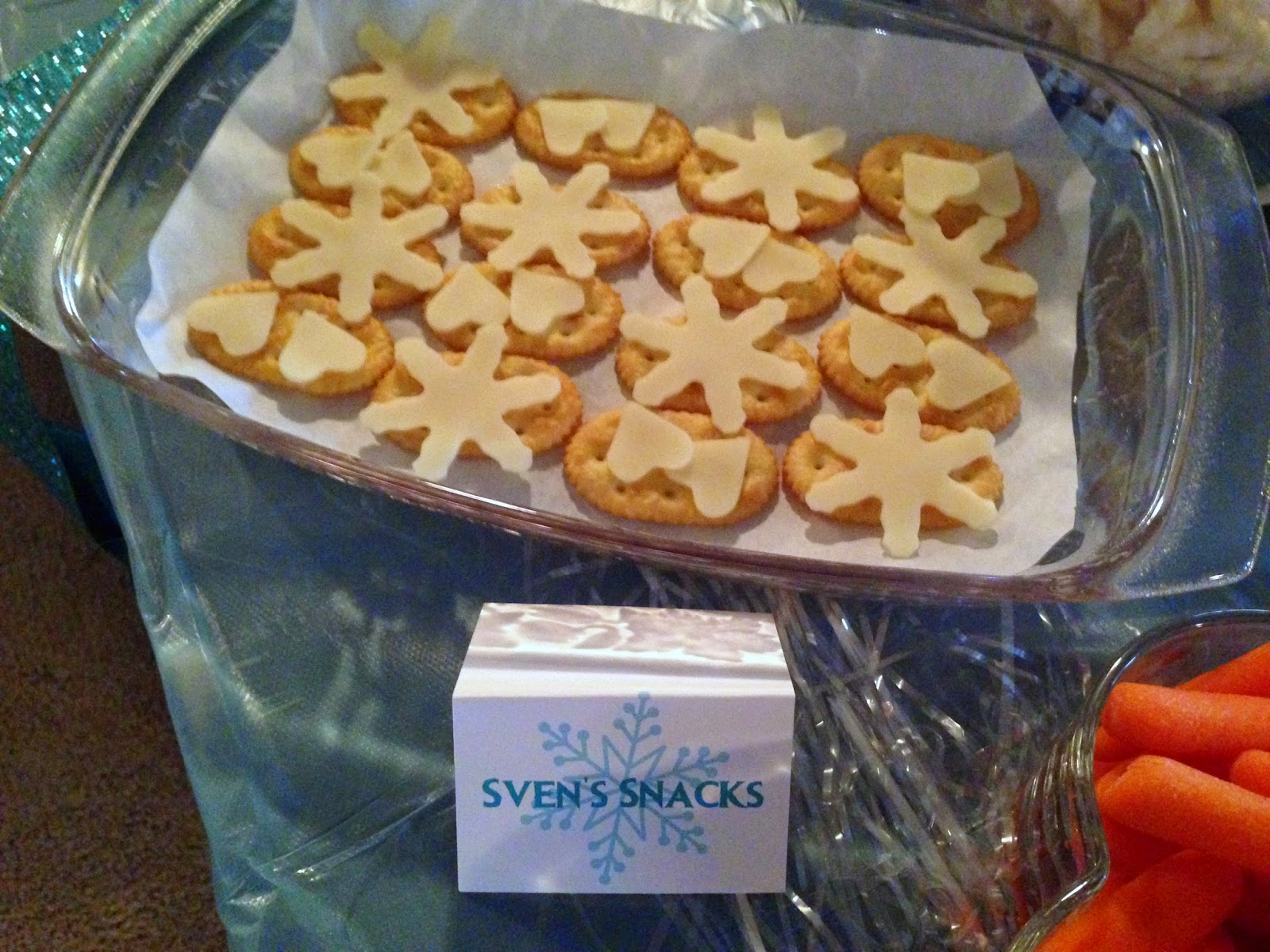 Frozen Birthday Party:  Snowflake Cheese and Crackers + more ideas from Alice Scraps Wonderland