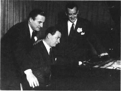Alfredo De Angelis con Carlos Dante y Julio Martel en 1946.