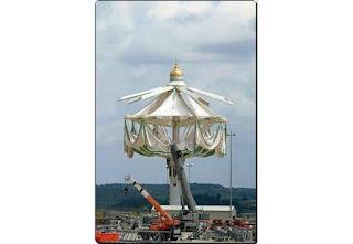 تركيب أكبر مظلة في العالم في الحرم المكي 1437 رمضان صور