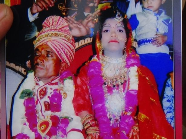 Pramod Kumar and Poonam Devi smallest couple in the world