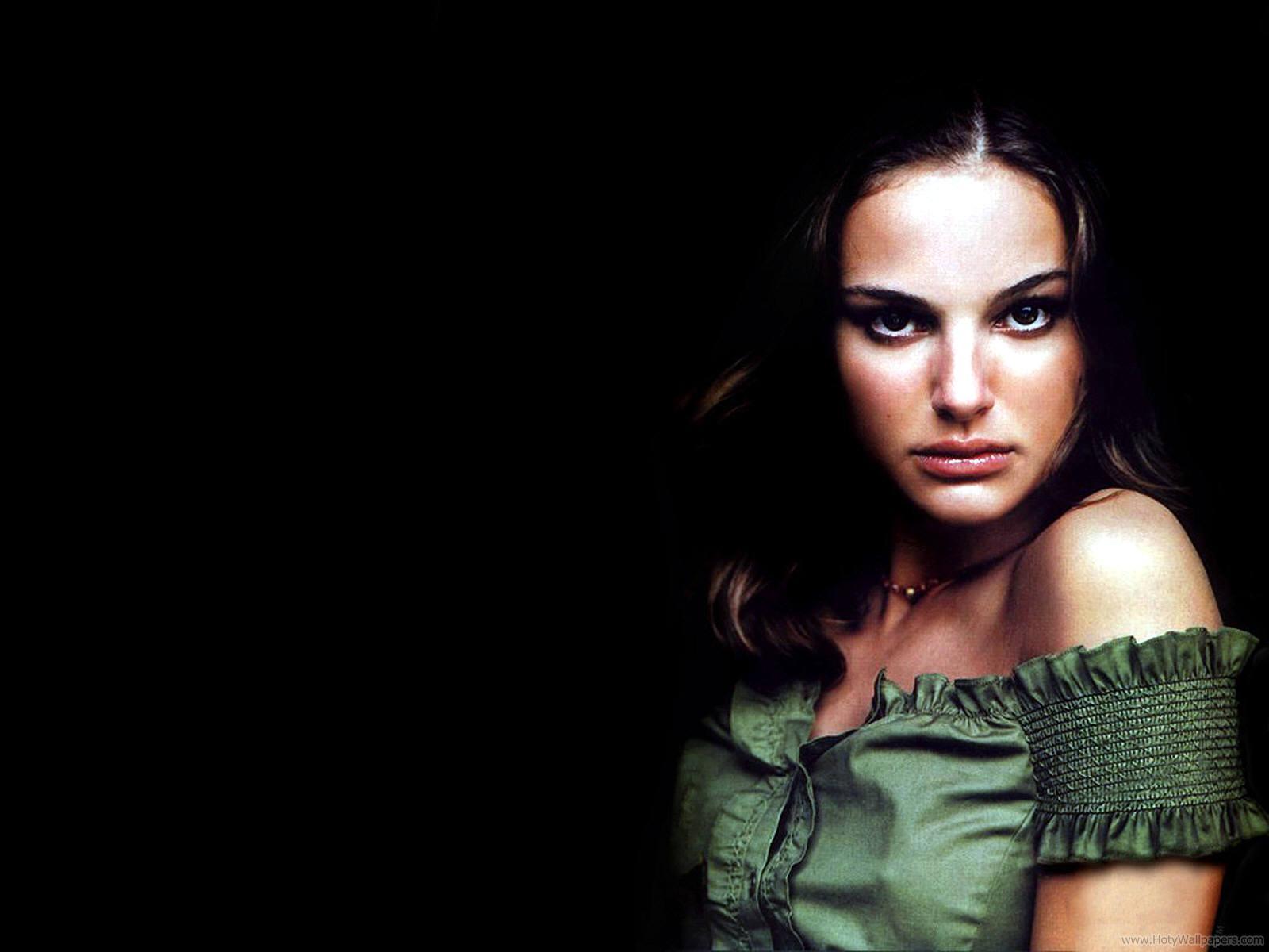 Natalie Portman Hollywood Wallpapers: Natalie Portman Pretty Wallpapers