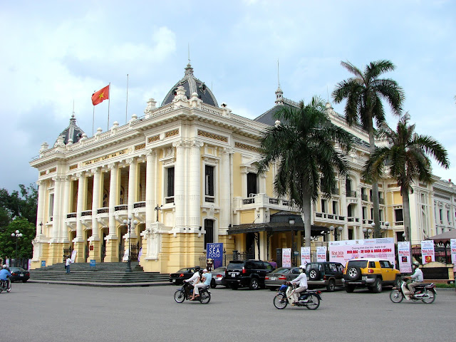 Journey To Discover Interesting Hanoi At The Weekend