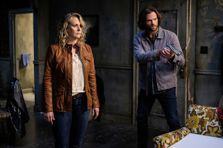 "Samantha Smith as Mary Winchester and Jared Padalecki as Sam Winchester in Supernatural 14x02 ""Gods and Monsters"""
