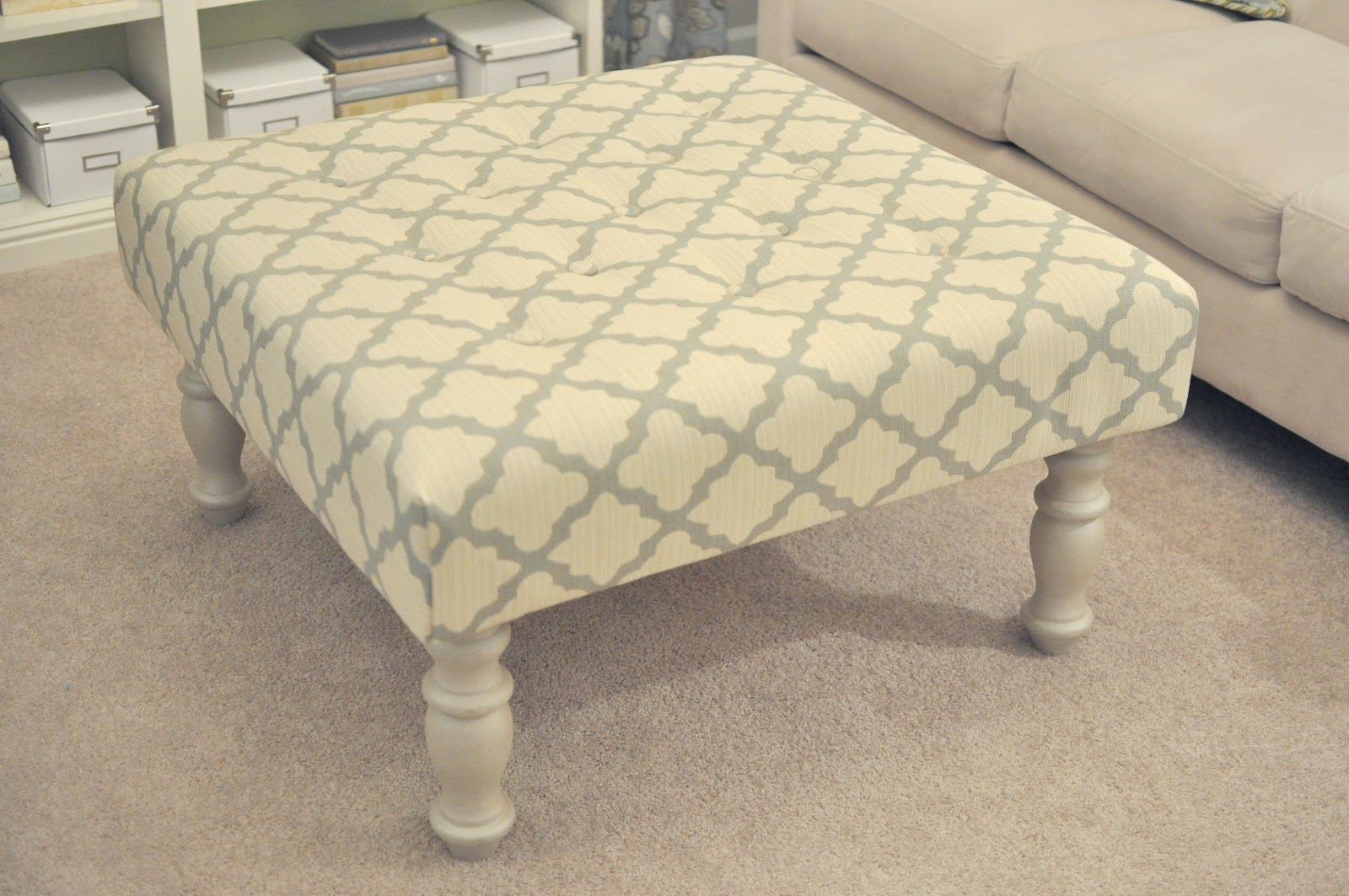 Not So Newlywed McGees: DIY Upholstered Ottoman