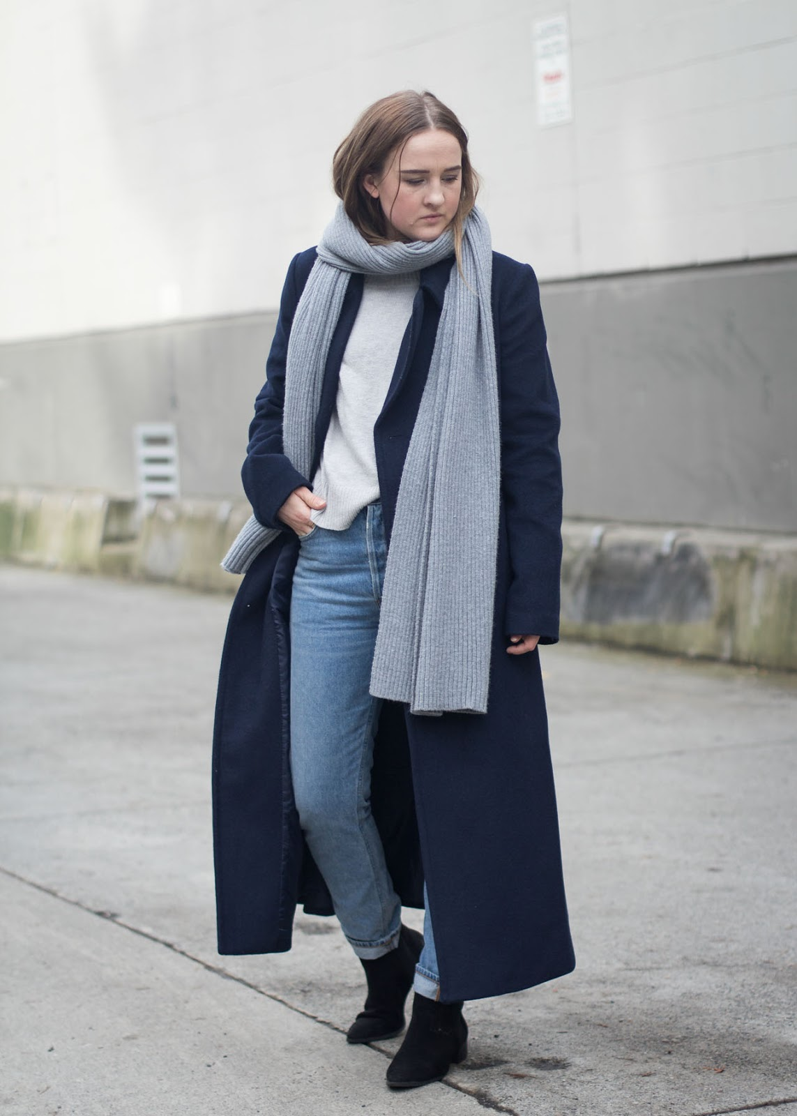 Minimal styling - dressing like a Scandinavian - Vancouver Fashion Blogger