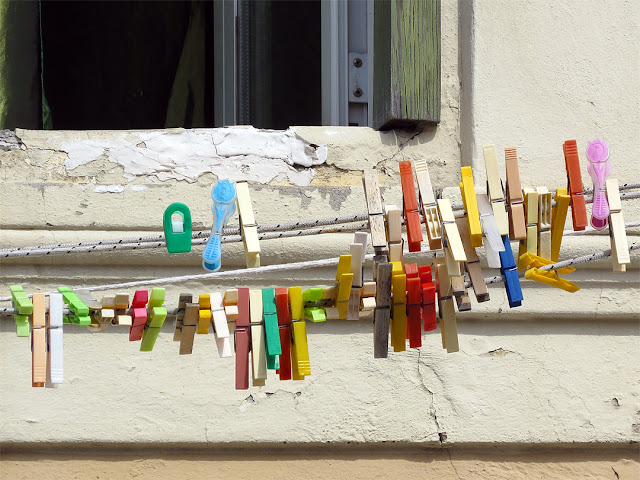 Fifty Clothespins, Via Cherubini, Livorno