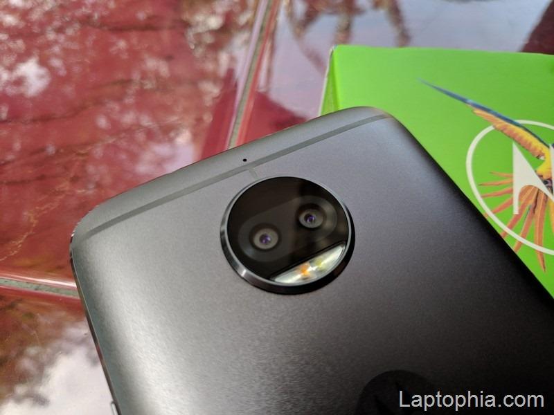 Desain Motorola Moto G5S Plus