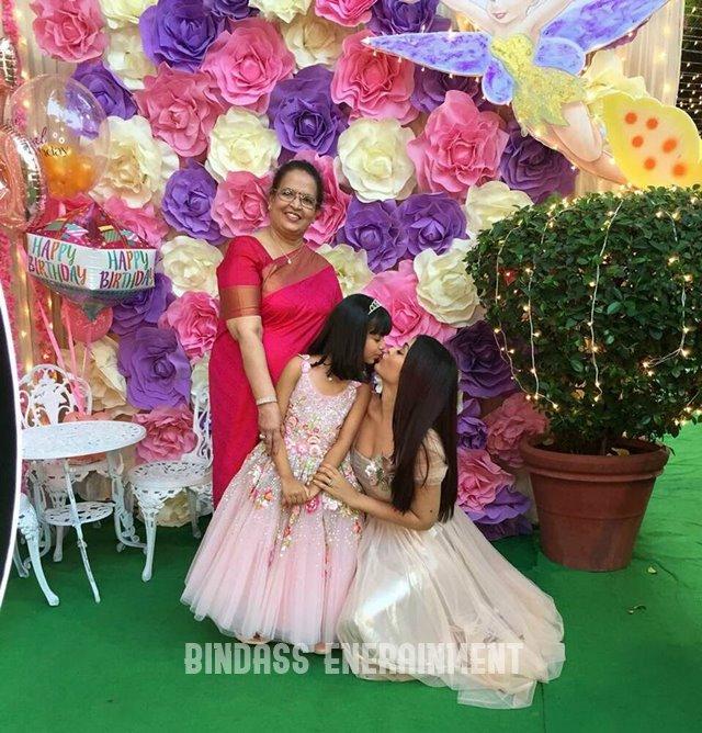 Aishwarya Rai Family9