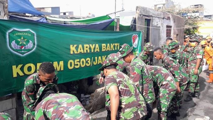Dandim 0503/JB Pimpin Karya Bhakti Bersihkan Puing-puing di Lokasi Kebakaran Krukut*
