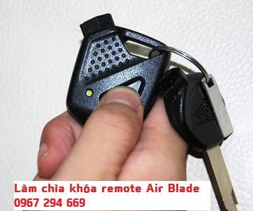 làm lại chìa khóa remote xe máy Air Blade uy tín