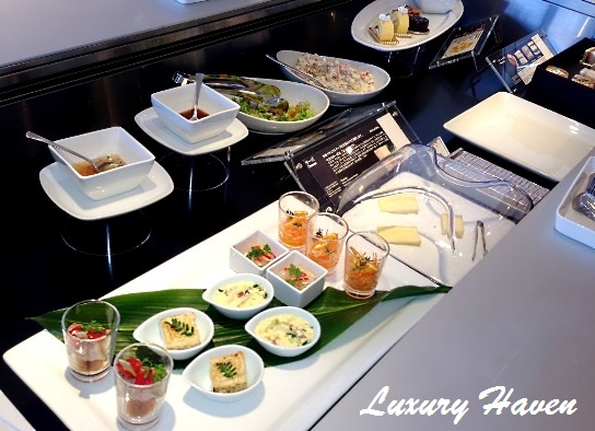 ana airport lounge buffet