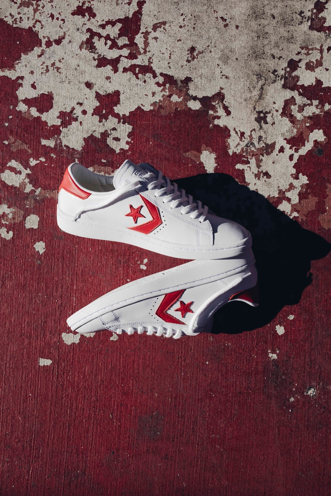 05b7ea7dffbb The Converse Cons Pro Leather LP Leather is a low-top take on a legendary  basketball silhouette