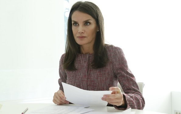 Queen Letizia wore Hugo Boss multi-coloured jacquard regular fit tailored jacket. Queen is the honorary president of FAD
