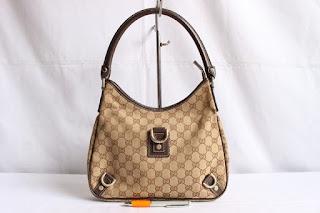... tas second bekas branded original murah dari Singapore Original  Authentic dengan harga yangkompetitif. G. GUCCI ABBEY 04ee9ad39e