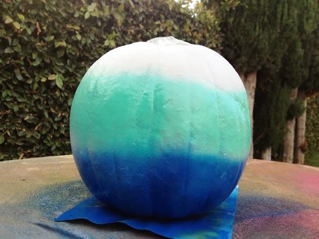 Budget Fairy Tale: DIY Ombre No Carve Pumpkin