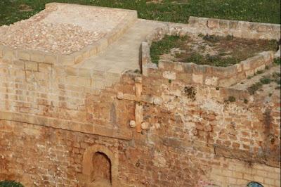 Κατεδαφίστηκε αυθαίρετο στη δυτική τάφρο για ανάδειξη του Επιπρομαχώνα
