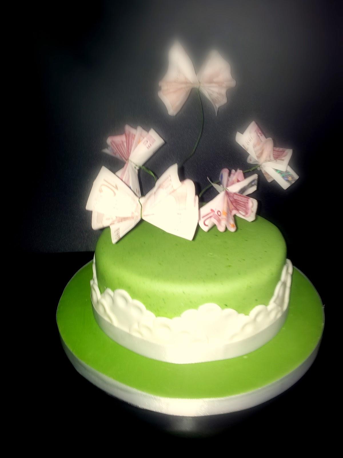 Geburtstagstorte mit Geld-Schmetterlingen