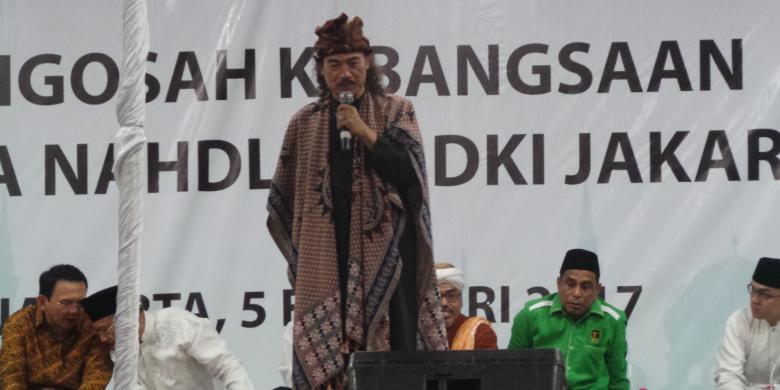 Gus Nuril Suruh Anggota Banser Yang Mau Nyerbu Rumah Lembang Naik Ke Panggung, Ini Yang Terjadi