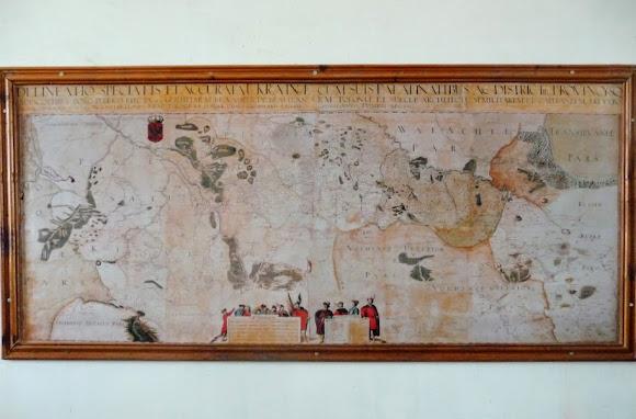 Золочев. Большой дворец. Музей. Зеркальная карта