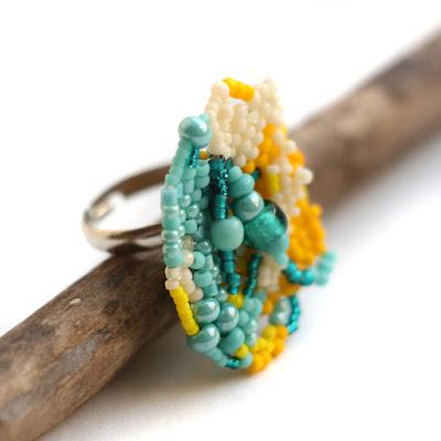 красивые необычные кольца  из бисера купить в интернет магазине