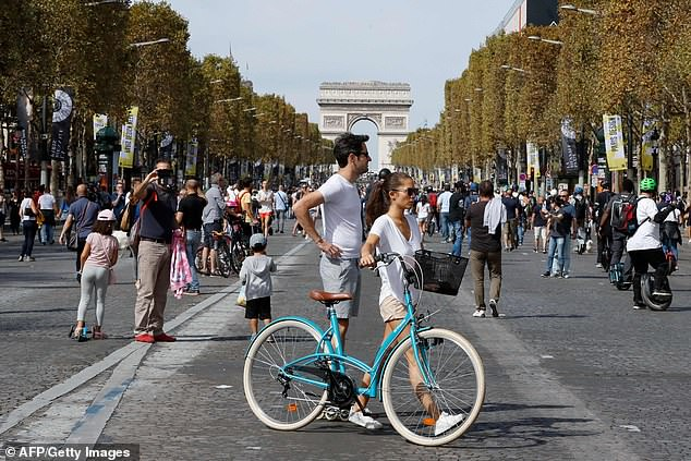 Driving of cars banned on the first Sunday of every month to improve air quality in Paris
