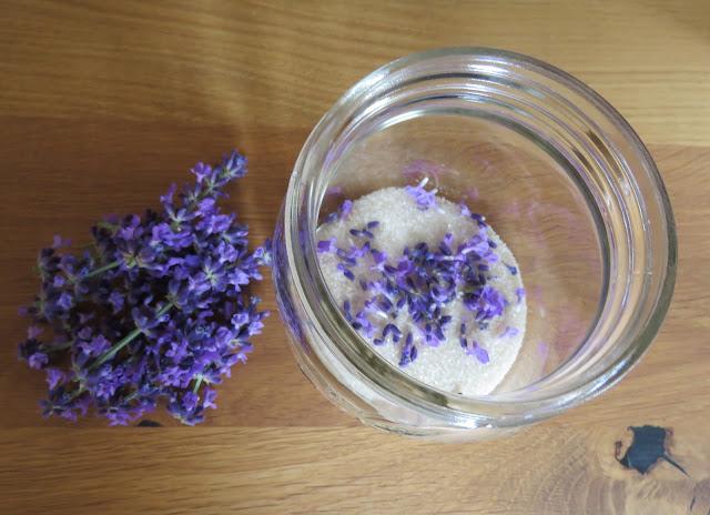 Foto 4: Lag ditt eget lavendelsukker. Norgesglass. Furulunden.