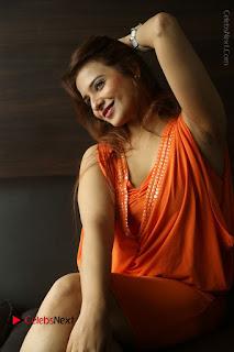 Actress Saloni Aswani Pos in Short Dress at Meelo Evaru Koteeswarudu Movie Interview  0187.JPG