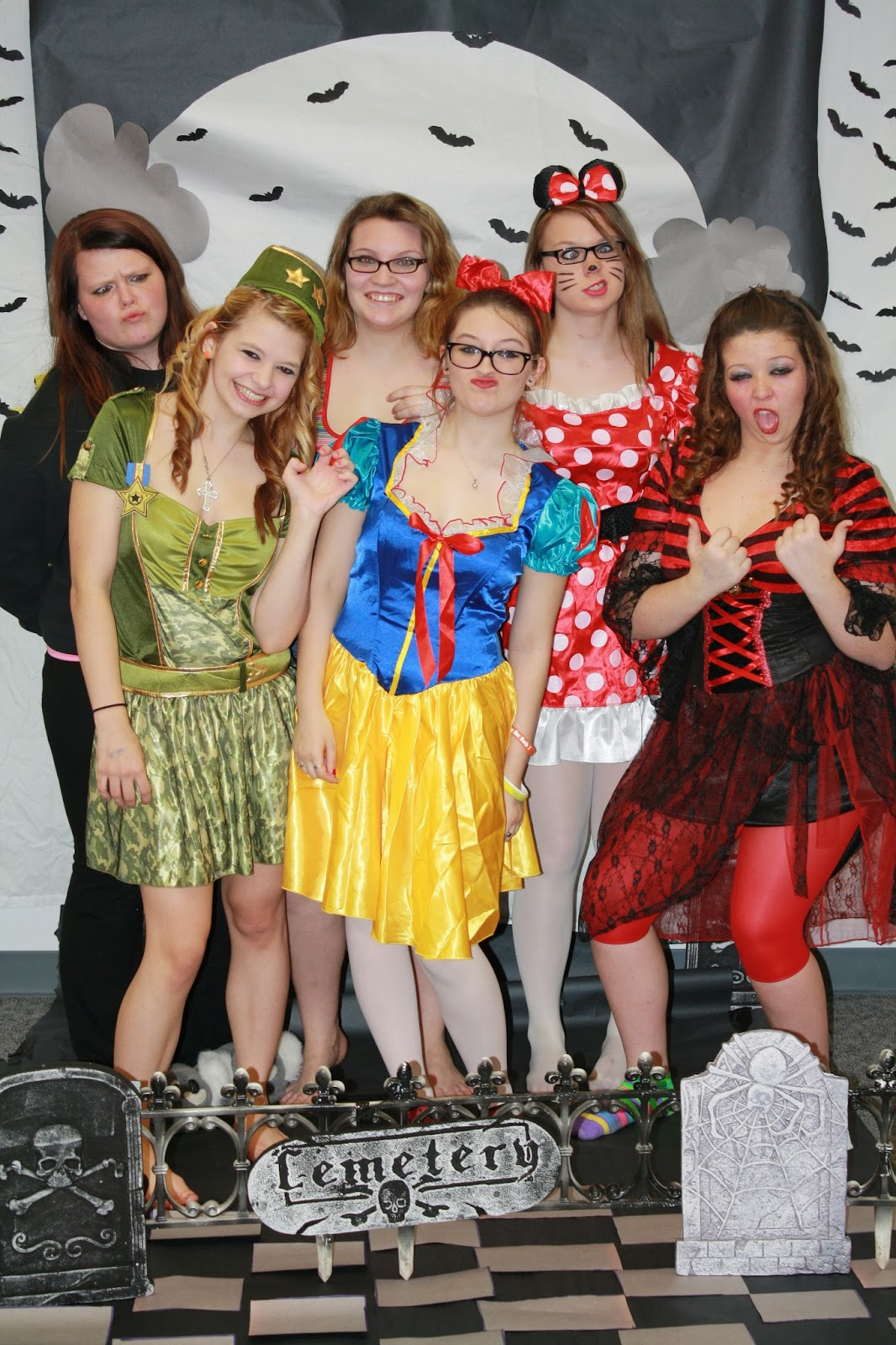 Knox High School Halloween Dance A Hit