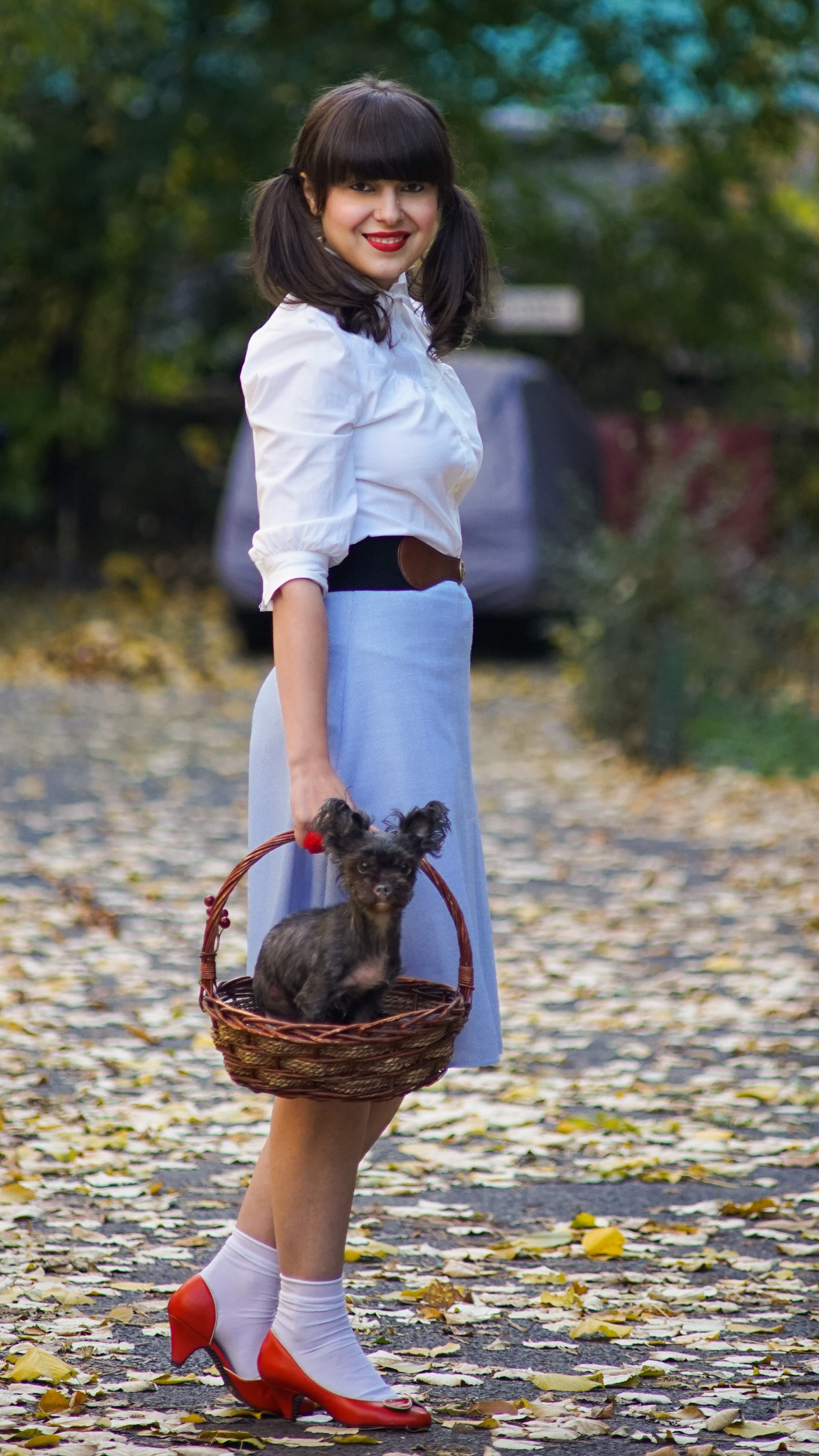 easy DIY Halloween costume dorothy white shirt blue skirt basket dog doggy stuffed toy stuffed bear red shoes white socks pony tails girly autumn