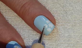 Life World Women Pastel Blue Flower Nail Art Tiny Daises Design
