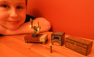 minecraft figurines chest block torch