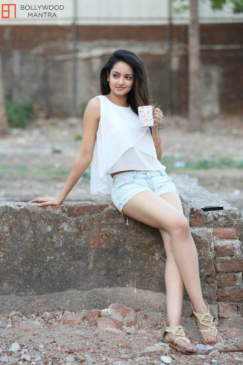 Actress Movieimages Bollywood Thighs-7225